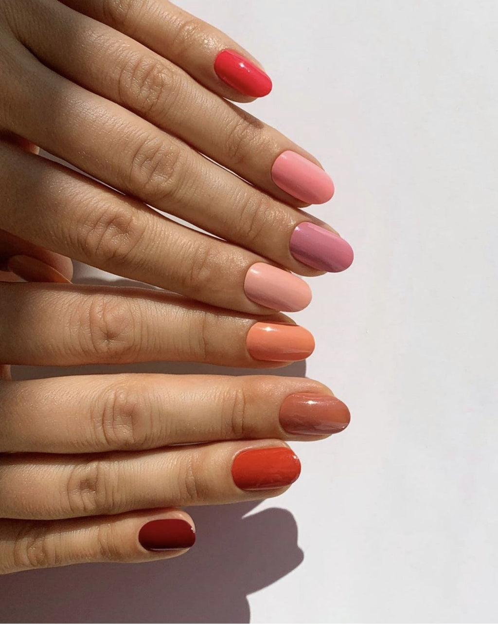 THE SKITTLE MANICURE IS TAKING OVER INSTAGRAM