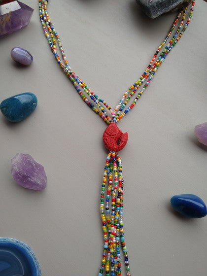 COLLAR CHAQUIRA MULTI COLOR CON PEZ