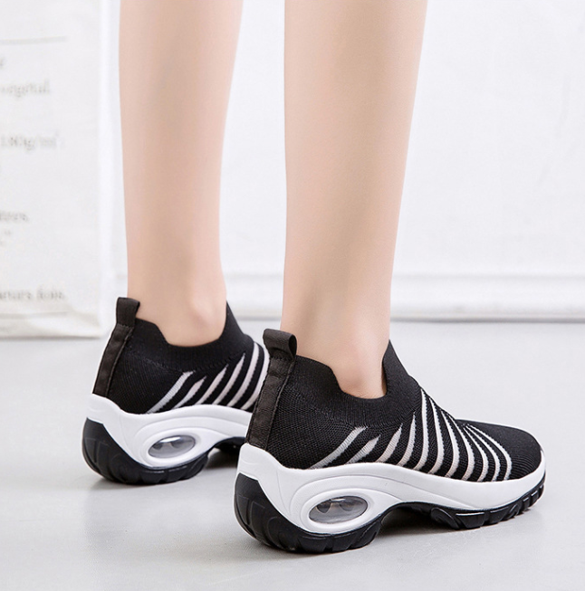 Women's Large Size Soft Wedge Heel Platform Cushioned Casual Flying Sneakers