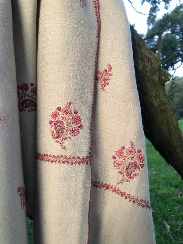 EMBROIDERED PASHMINA_SPP01