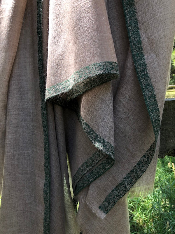 WOVEN PASHMINA SHAWL - HAND EMBROIDERED BORDER - GREEN