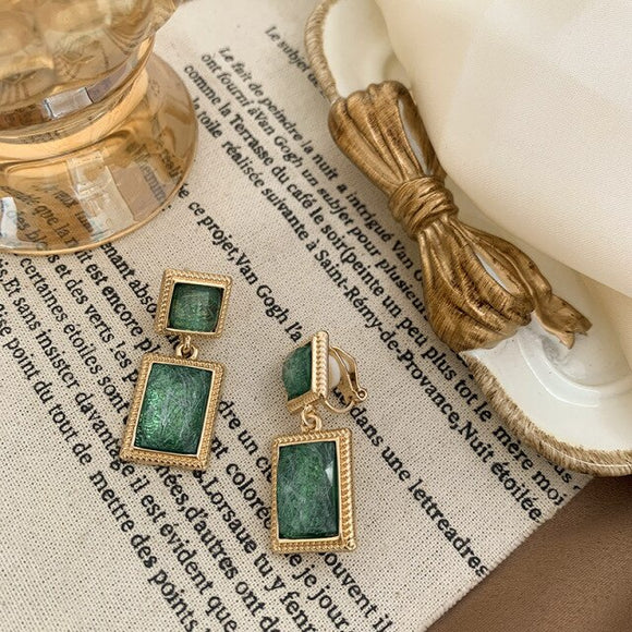 Crystal Green - Vintage inspired