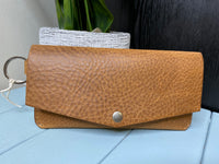Clutch wallet with keyring