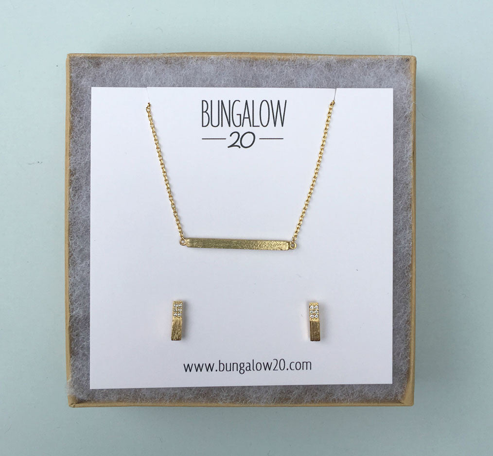 "1""Gold Bar Necklace with Gold Half & Half Studs"