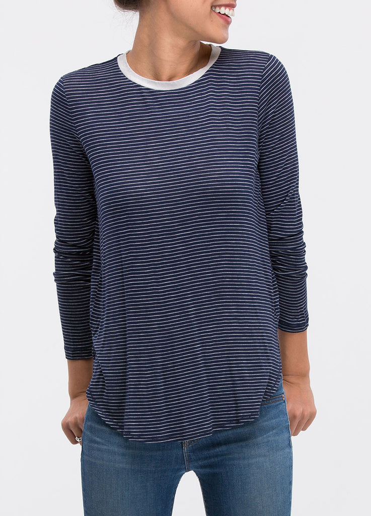 Scoop Neck Side Slit Tee in Navy