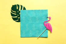 Lade das Bild in den Galerie-Viewer, Flamingo Party Deko | Aloha Partybox