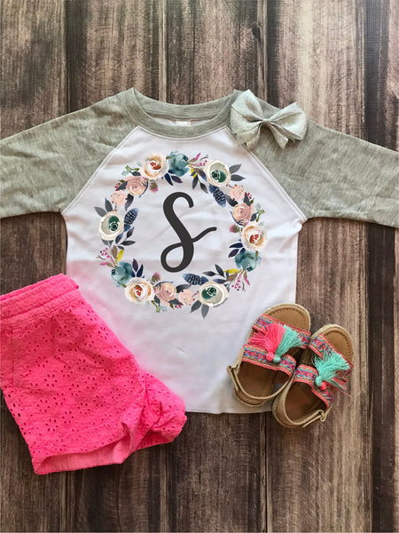 Single Monogram Wreath Raglan Tee (T1023)