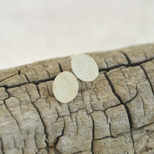Oval Disc Sands Stud Earrings
