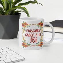 Load image into Gallery viewer, FRENCH Puissants Grace A La Foi Floral Mug