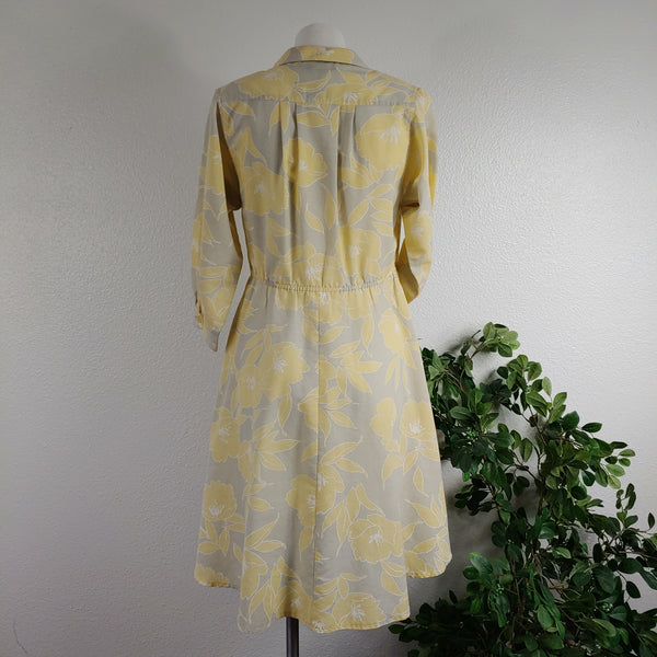 1970's Pale Yellow and Gray Floral Day Dress