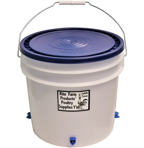 3.5 gallon chicken waterer with 4 poultry nipple drinker stations