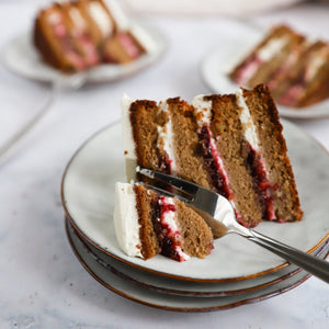 Cherry layer cake Petit by Sam