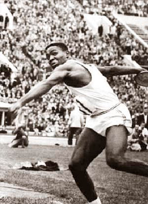 Rafer Johnson Discus Olympics 1960