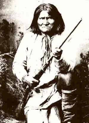 Geronimo Apache Warrior(v) (With Rifle) 1880