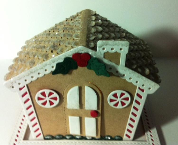 Festive Collection Gingerbread Roof