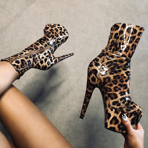 Empire Kicks Corset - Leopard