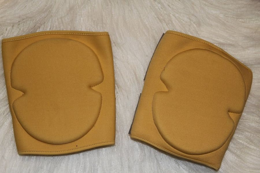 Neoprene Vinyl Grip Knee Pads