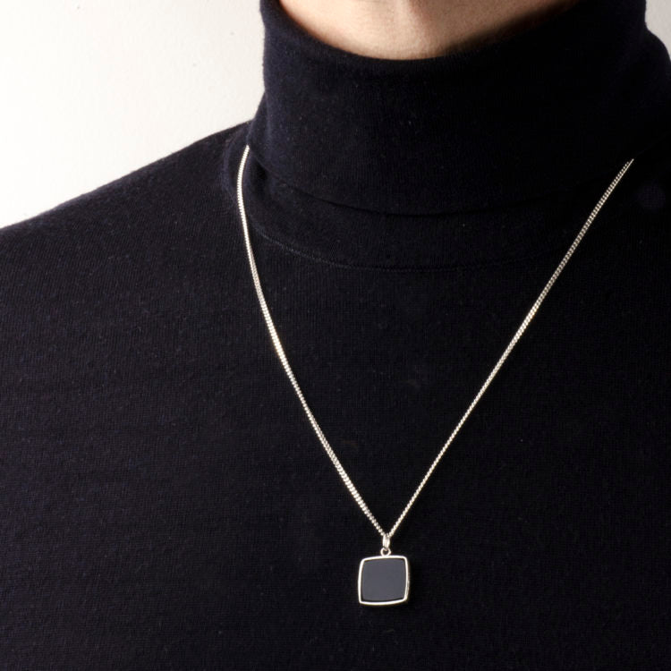 Charlotte Wooning  Necklace square stone