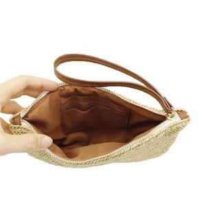 Straw clutch with card slots