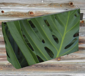 Monstera T-Bottom Clutch