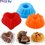 Load image into Gallery viewer, 3D Shape Random Color Silicone Pastry Cake Mold DIY Baking Tools