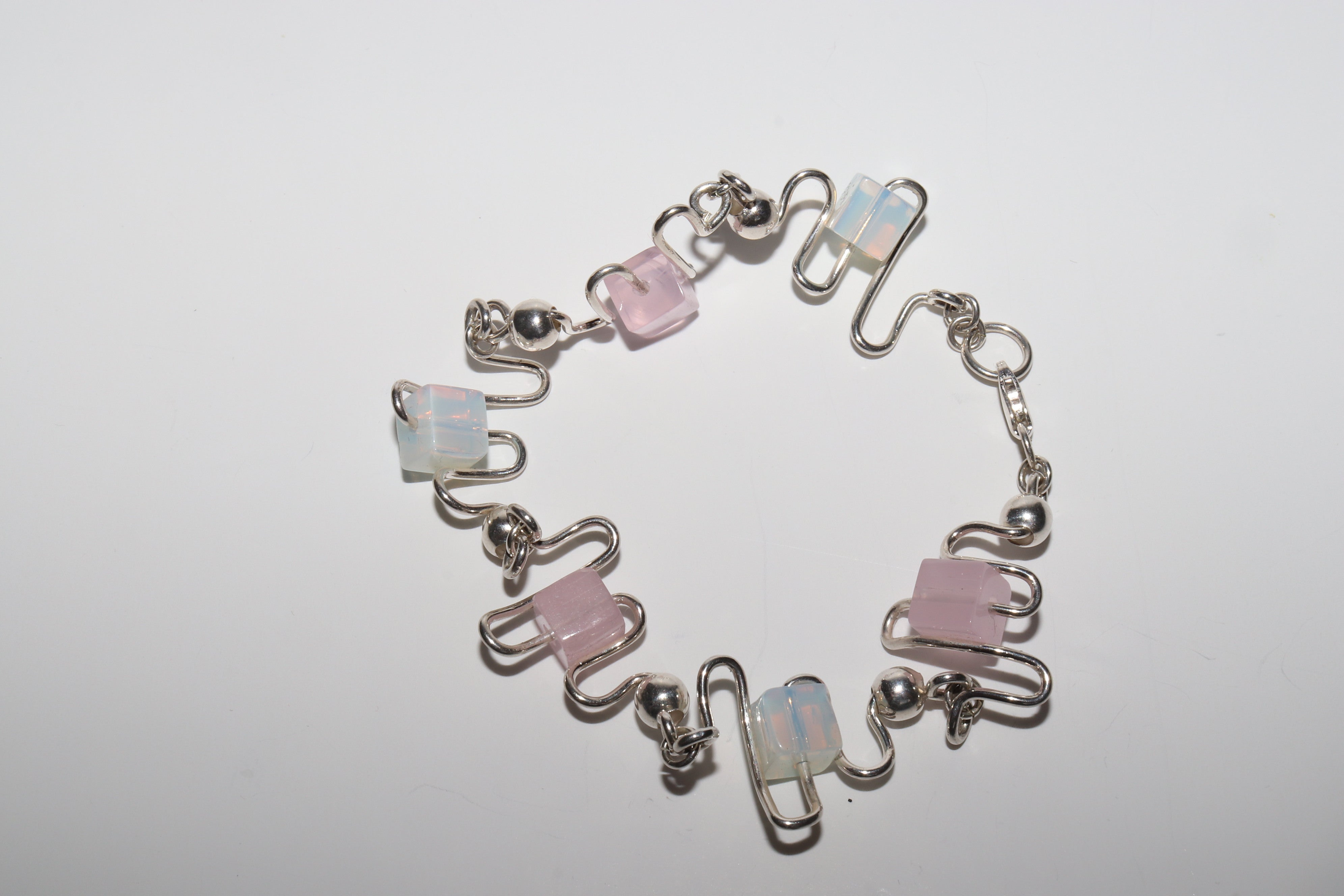 100% Sterling Silver .925 Fashion bracelet with zic zac design and Smithsonian stones Very Sexy Hot Sale!
