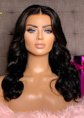 """Kathy"" 20"" Glueless Frontal Wig"