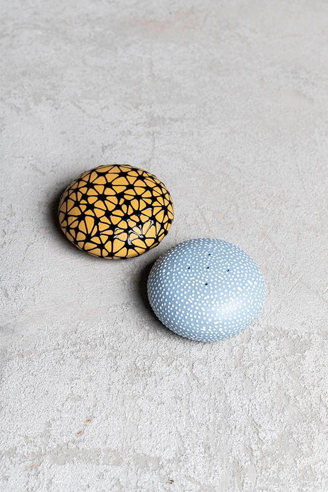 Salt and pepper shakers | Sky blue and Yellow curry - Maiyanbenyona