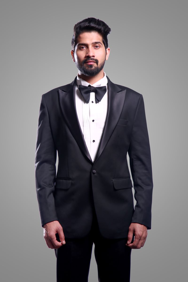Jet-Black-Tuxedo-With-Trouser-By-Ajjay Mehrra