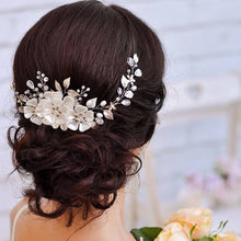 Charger l'image dans la galerie, AiliBride Flower Crystal Pearl Headband for Wedding tiara Bridal Hair Vine Handmade Women Bride Hair ornaments Jewelry