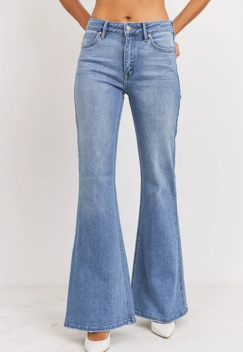 High waisted flare jeans in medium wash