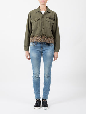 LEOPARD CROPPED UTILITY JACKET IN OLIVE