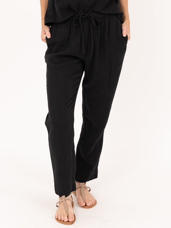 Jordyn Pant in Black
