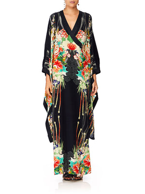 KIMONO W/SPLIT SLEEVE IN QUEEN OF KINGS