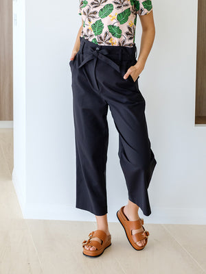 Paper Bag Cropped Pant In Black