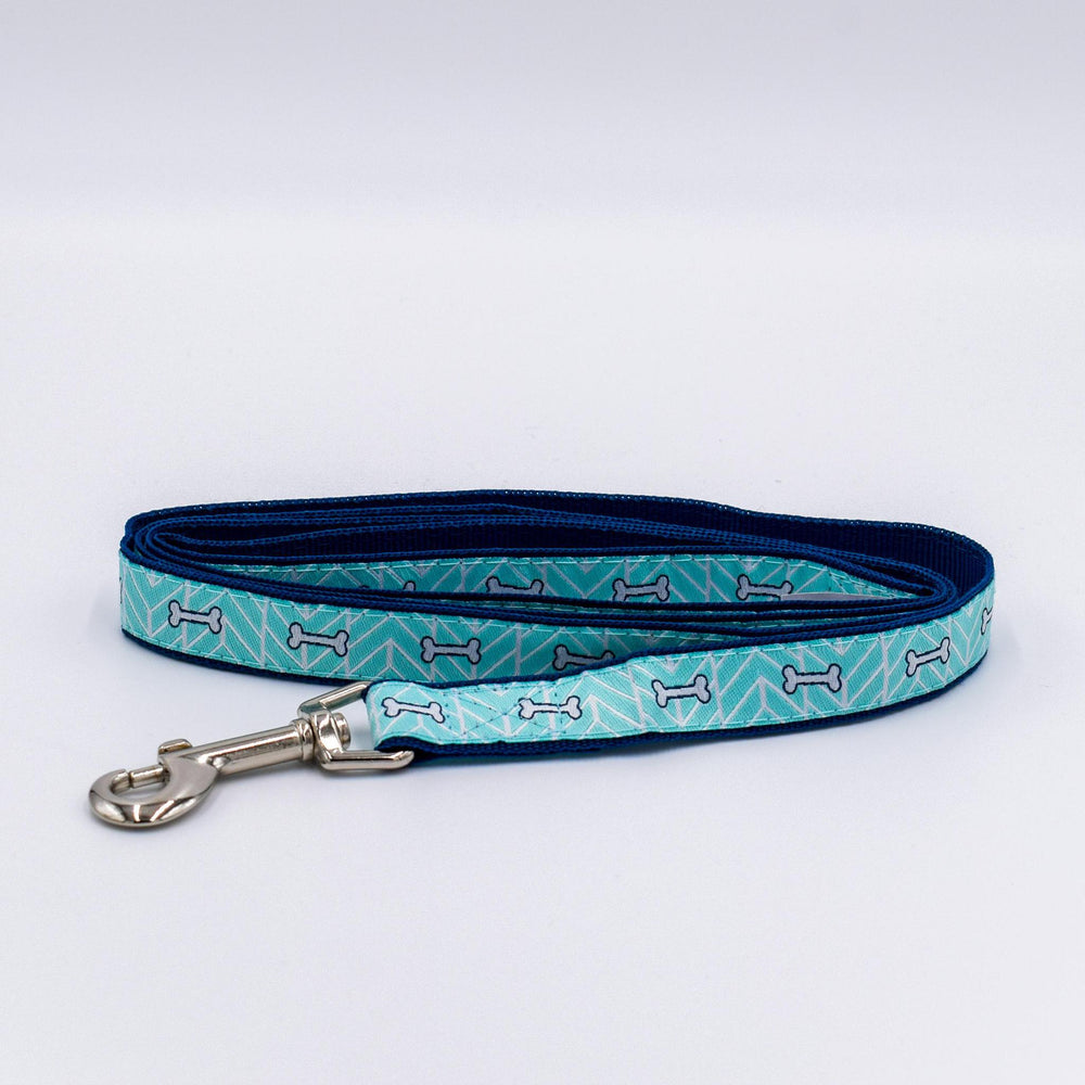 Load image into Gallery viewer, Bone Motif Dog Leash