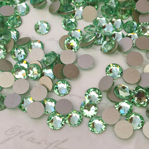 real image of chrysolite pale green crystals from swarovski