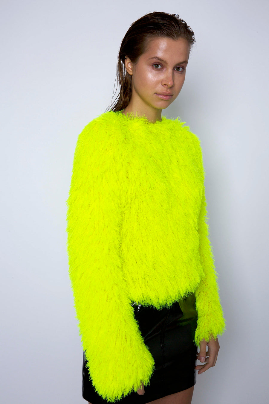 FLUFFY SWEATER NEON GREEN