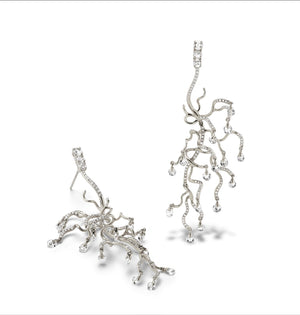 Anemone 18K white  gold and white diamond chandelier earrings