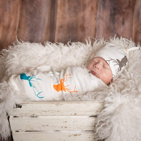 Cake and Co - White Deer Swaddle Set
