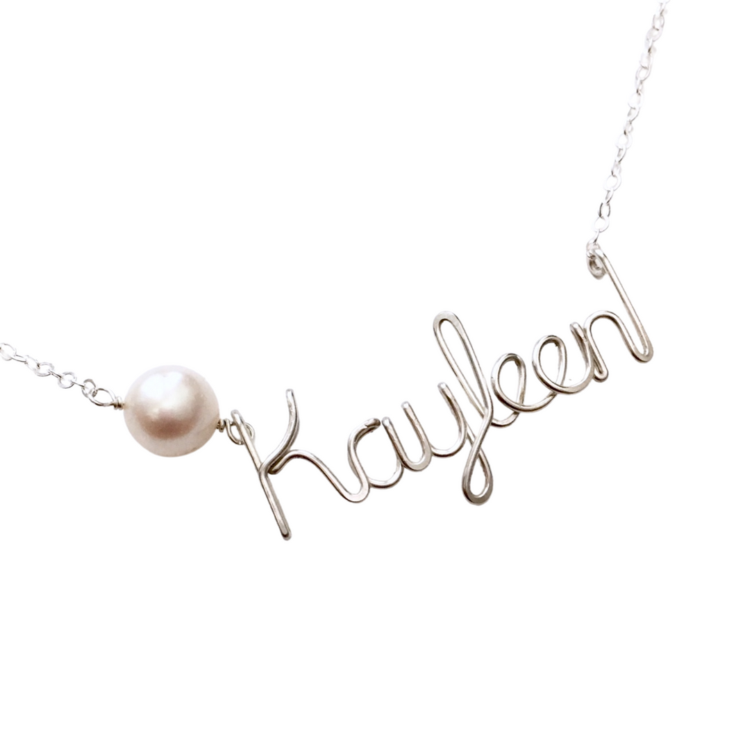 Pearl Name Necklace. Sterling Silver Name Necklace with Off White or Light Pink Freshwater Pearl. Custom Name Necklace w Large Real Pearl