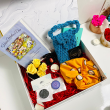 Charger l'image dans la galerie, perfect gift boxes sets for Mother's day include scrunchie, phone case pouch, eternal flowers, pop grips. Sunshine vibes in yellow colours.