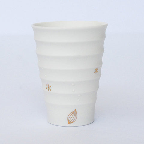 "Gold Painted Porcelain Mini Cup ""Rin Ran"""