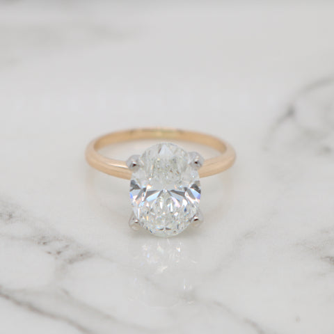 2.5ct Oval Engagement Ring