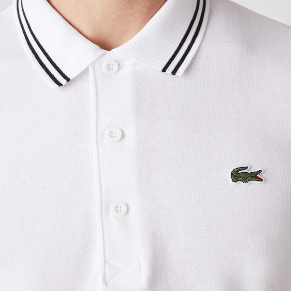 Three-button ribbed polo collar with contrast edging