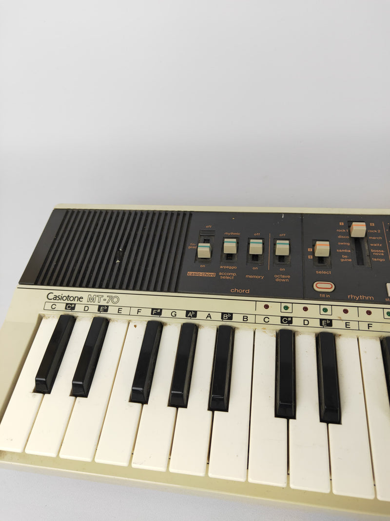 Casio Mt-70 Casiotone Electronic Keyboard Synthesizer 49-key Synth