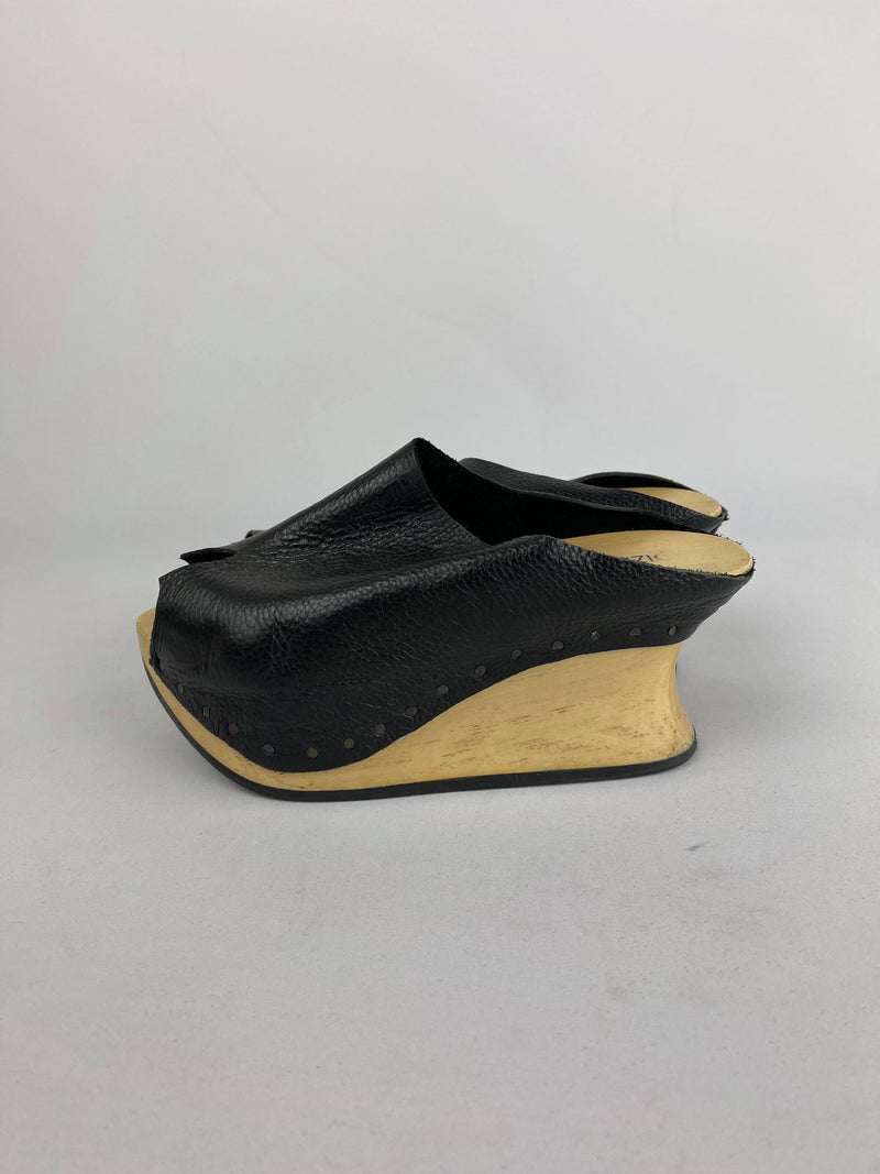 Dizingof leather and wooden clogs 39 EU