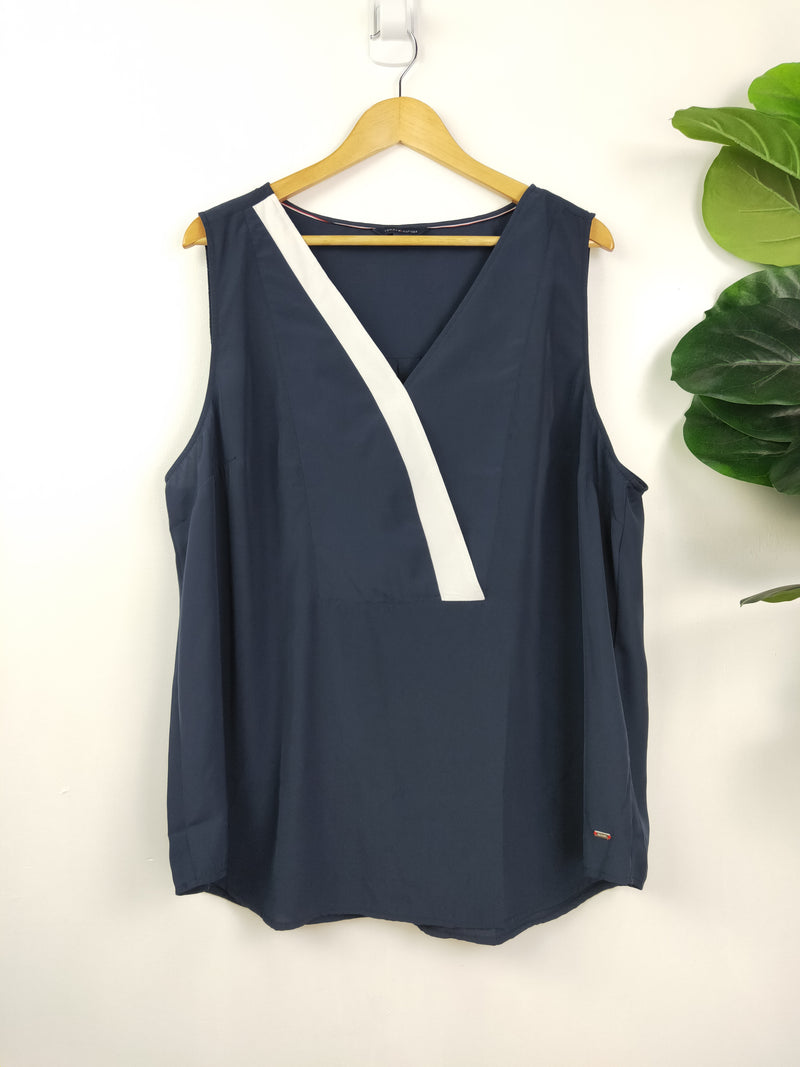 Tommy Hilfiger navy & white accented tank top (size large)