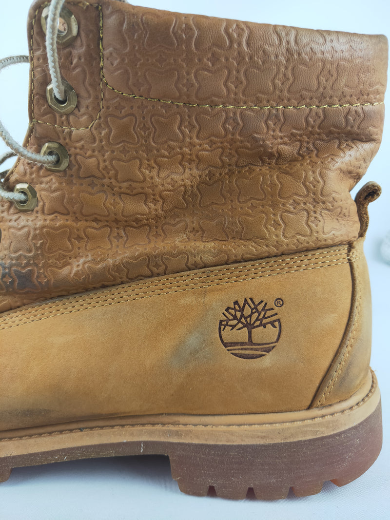 Timberland Beige Lace Up Boots - UK 11.5