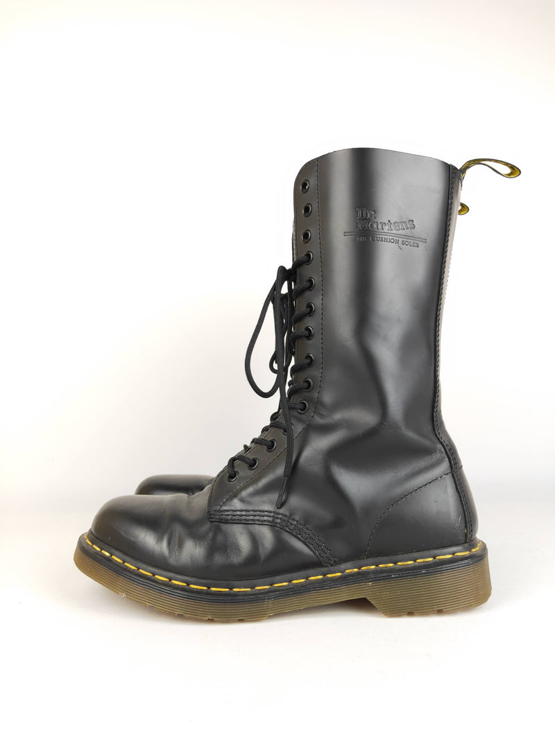 Dr Martens midcalf leather boots size 8UK